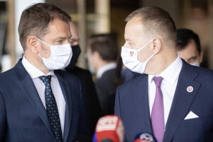 Igor Matovič and Boris Kollár on April 30, after the parliament passed the Matovič government's programme statement.