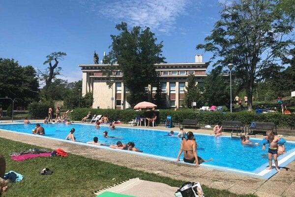 The outdoor Mičurin pool opens its door in Bratislava July 7, 2020