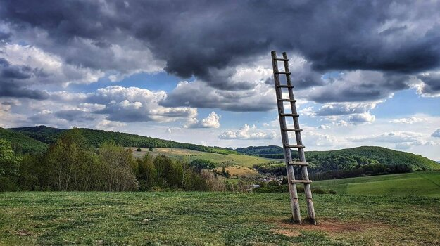 The village of Dúbravica, near Banská Bystrica, hosts a regular artists in-residence program to bring art to rural spaces. In the photo above, you can see the Shortcut to Heaven (Skratka) installation by Matej Rosmány, which has become a popular sight as you can climb this extraordinary ladder.
