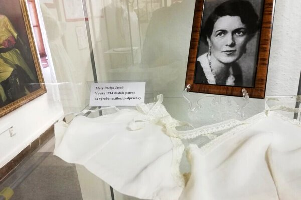 Nováková's replica of a textile bra by Mary Phelps Jacob. In 1914, she became the first woman to receive a patent for the production of this textile bra.
