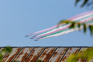 People in Bratislava could witness the flight of the popular Italian group Frecce Tricolori on September 3.