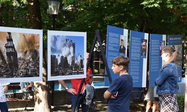 On Hviezdoslav Square, the U.S. Embassy in Slovakia is running an exhibition about the 9/11 events until the end of September.