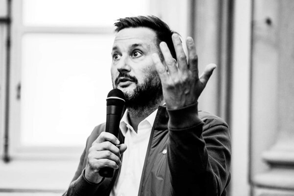 "Bratislava Mayor Matúš Vallo speaks to foreigners at [fjúžn] festival's ""Ask the Mayor"" event."