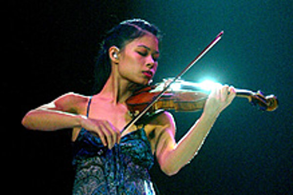 """CHINESE-Thai violin star <b>Vanessa Mae</b> returns to <b>Bratislava</b> after eight years. On December 13, this musical prodigy once known as the """"Teeny Paganini"""", because she shares Paganini's birthday, will perform in the Pasienky sports hall."""