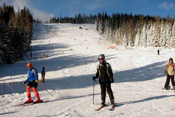 Skiers recently converged on Strbské Pleso to kick off the ski season.