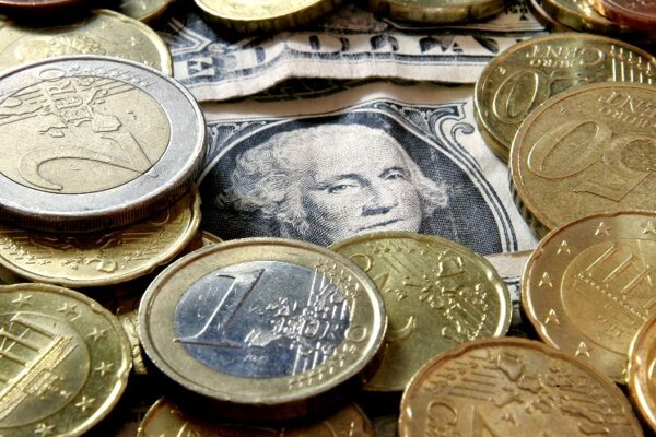 Fewer foreign exchange transactions after the euro arrived caused a drop in banks' revenues.
