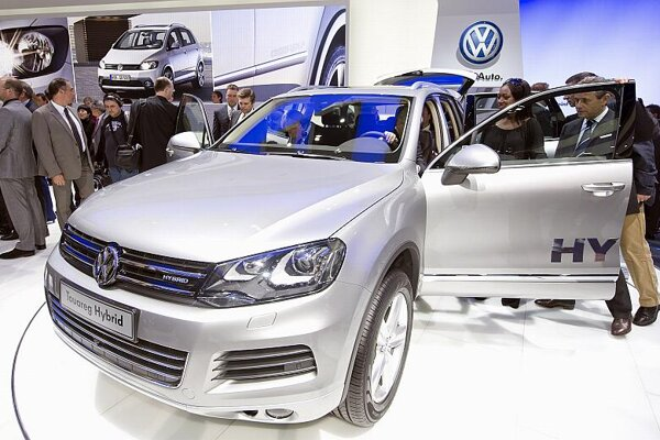 Volkswagen's Touareg Hybrid was premiered at the Geneva International Motor Show.