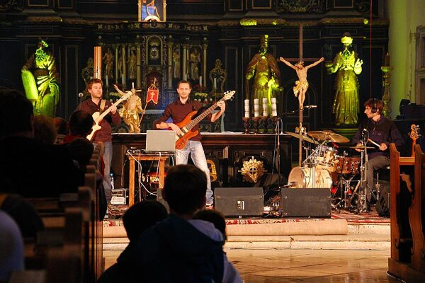Jazz in Trnava Cathedral performed by H Projekt.