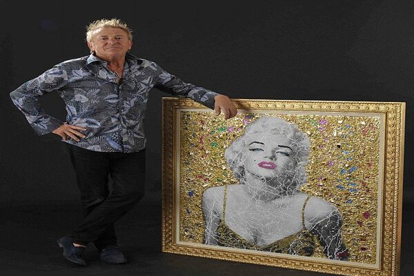 Dondé with Marilyn Monroe.