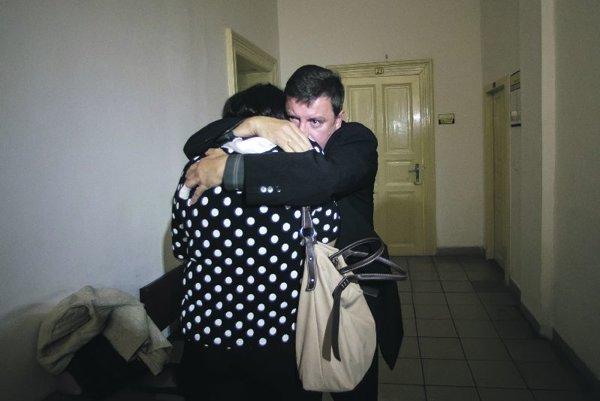 Šimon's parents at the trial.