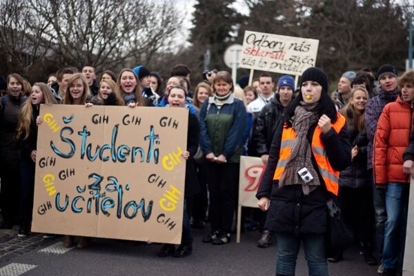 Some students have supported teachers in their fight for higher salaries.
