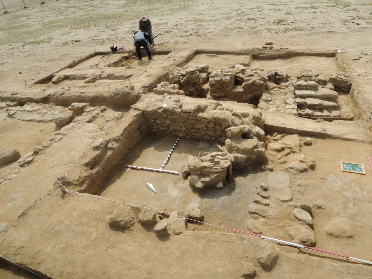 Slovaks discover ancient air conditioning in Kuwait - spectator sme sk