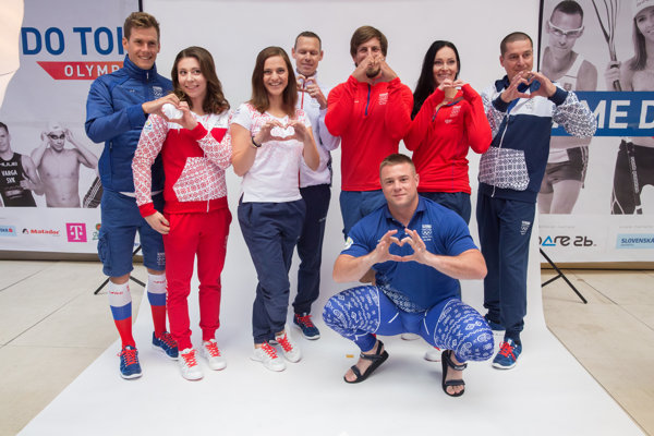 Presenting the clothes and the symbol of Slovak Olympic athletic team