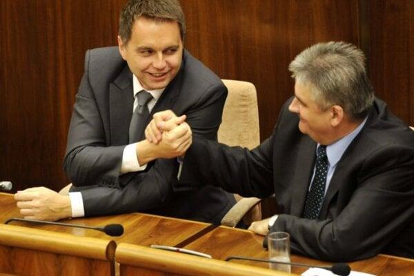 Ministers Peter Kažimír (l) and Ján Richter.