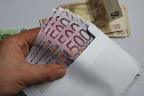 Corruption costs Slovakia about €1 billion annually