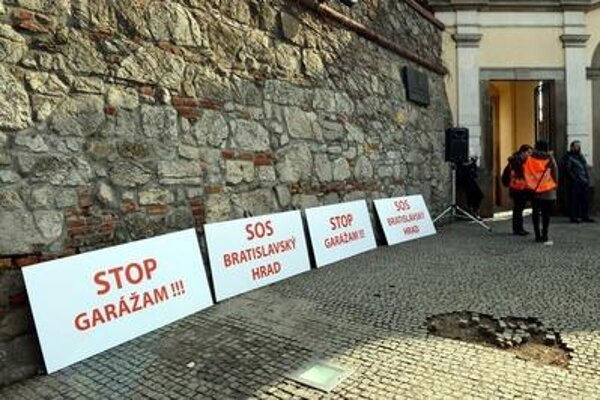 Protest at the Bratislava Castle