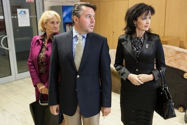 Vladimír Jánoš with former colleagues, Smer MPs Jana Laššáková (L) and Iveta Líšková