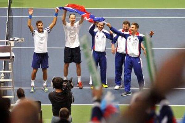 Slovak Davis Cup team (Kližan, Zelenay, Lacko, Mečíř, Gomboš L-R)