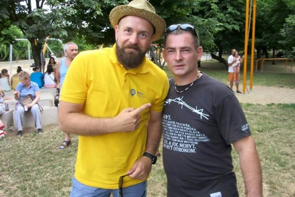 Trnava Mayor Peter Bročka (left) posing with Kotleba supporter Radovan Hynek.