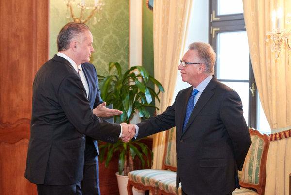 Slovak President Andrej Kiska, left, meeting Venice Commission President Gianni Buquicchio.
