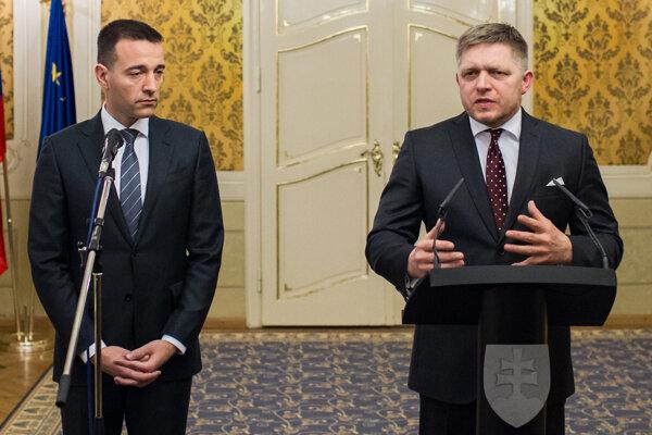 Health Minister Tomáš Drucker (l) and PM Robert Fico (r)
