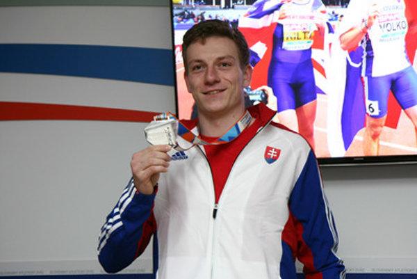 Ján Volko, runner winning silver medal at European Athletics Indoor Championships in Belgrade