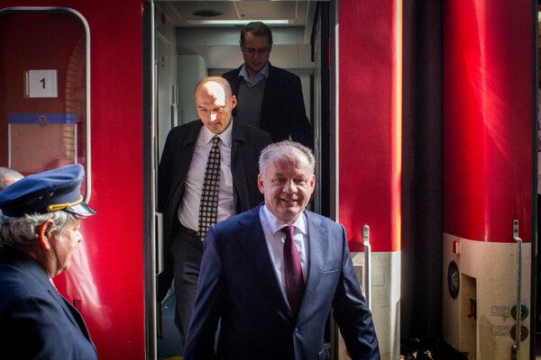 President Kiska gets off the IC train in Bratislava.