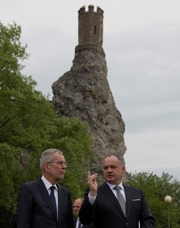 Kiska and Van der Bellen at Devín, close to the Freedom Gate monument, April 26.