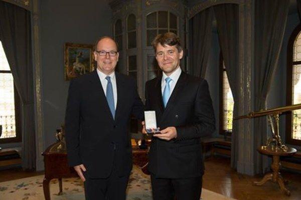 Prince Albert II of Monaco (l) and Marek Eštok (r)