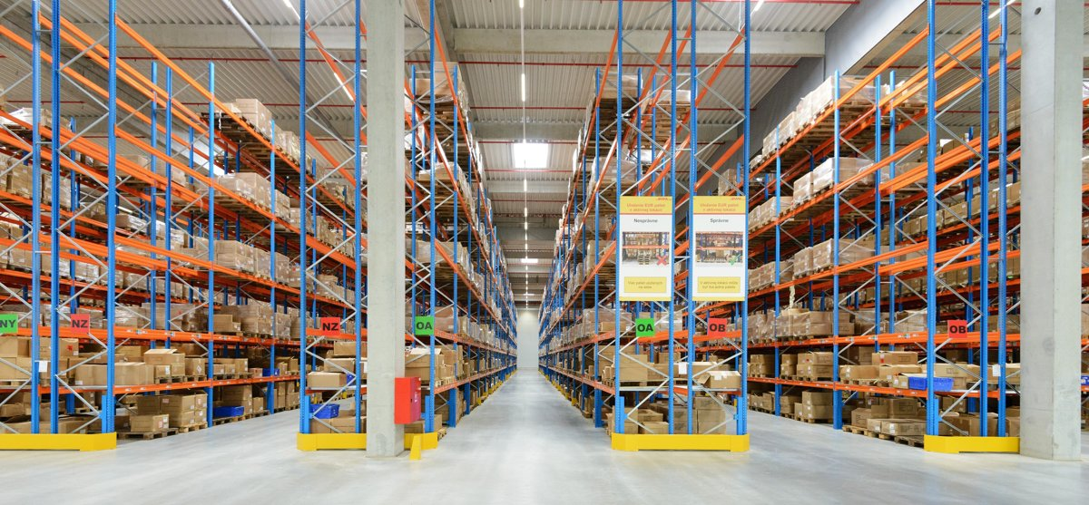 Tesco opens its biggest distribution centre in central