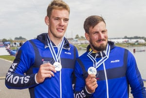 L-R: Adam Botek and Peter Gelle won silver at 2017 ICF Canoe Sprint World Championship in Račice.