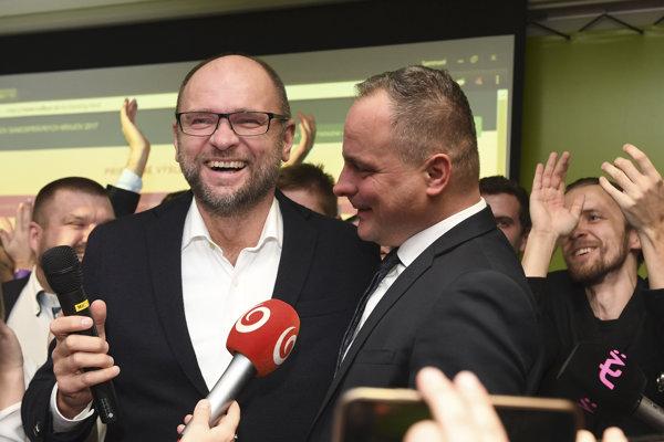 l-r: SaS chair Richard Sulík and new governor of Bratislava Region, Juraj Droba