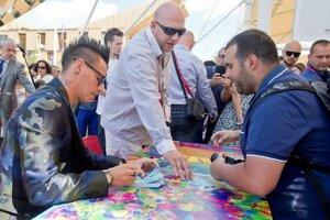 Footballer M. Hamšík gives autographs at Expo