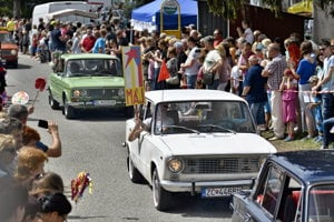 Vintage cars were part of May 1 celebrations