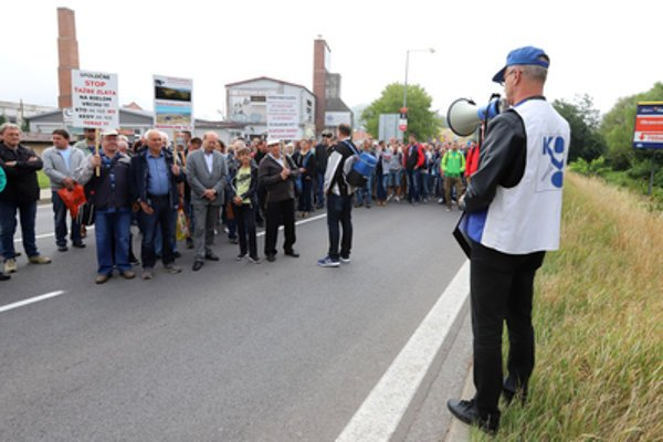 Detva road-block, jUne 26 - a protest against permitted gold mining in the area.