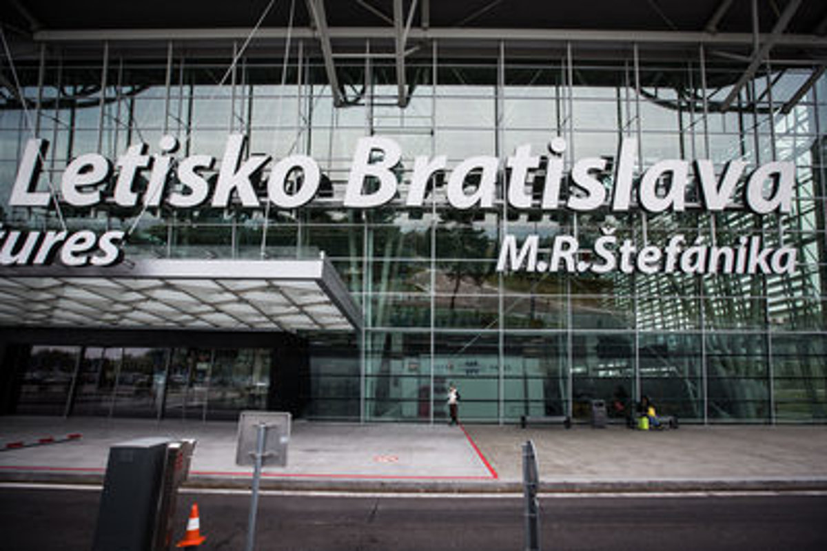 385c7abbfae A private investor will rent Bratislava airport for 30 years -  spectator.sme.sk