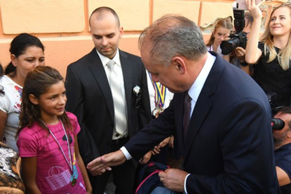 President Kiska meets young Roma runner Annamária Horváthová September 9.