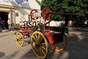 A horse-drawn fire machine form Čilístov (now a Šamorín borough)