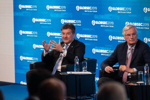 Miroslav Lajčák and Michel Barnier at Globsec 2019 Bratislava Forum.