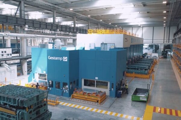 Cold stamping line in Nitra.