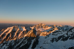 Sunset at Lomnický Štít peak.