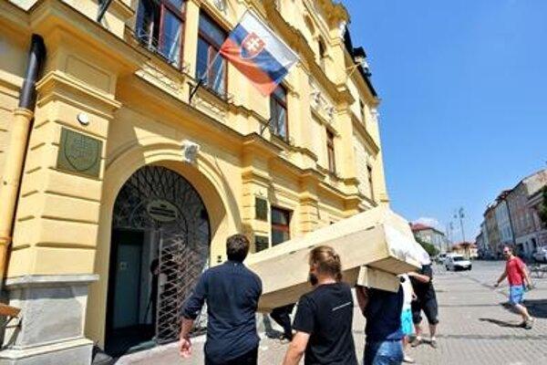 "Symbolic ""Funeral of Culture"" in Banská Bystrica"
