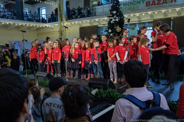 Superar Slovakia performing at the 2018 Charity Christmas Bazaar. They return again this year.