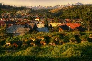 1st place - Martin Bugár - Zemiakové pivničky z Liptovskej Tepličky s výhľadom na Tatry (Liptovská Teplička)