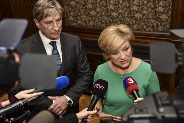 Former SND chair Vladimír Antala and Culture Minister Ľubica Laššáková talk to the media on January 24, 2019, in Bratislava.