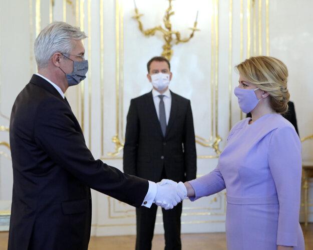 President Zuzana Čaputová appoints Ivan Korčok the foreign affairs minister.