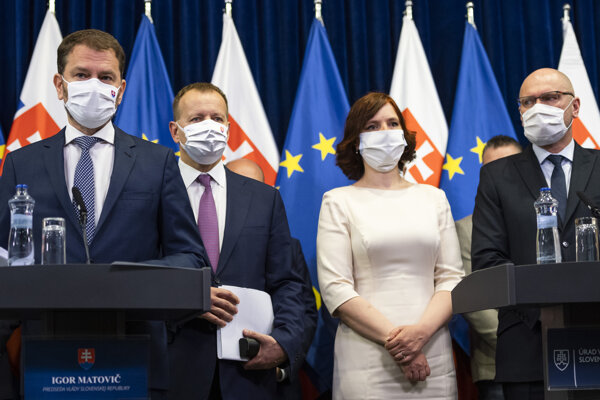 Igor Matovič (OĽaNO), Boris Kollár (Sme Rodina), Veronika Remišová (Za ľudí) and Richard Sulík (SaS) presenting the programme statement.