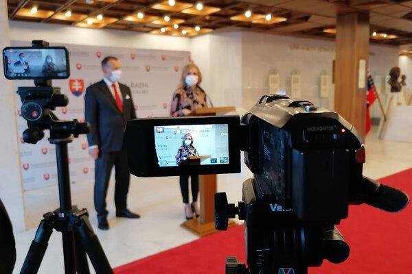 Petra Krištúfková and Boris Kollár at June 21 press conference.