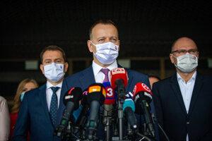 Richard Sulík (right) and his SaS demand Boris Kollár (centre) to step down. PM Igor Matovič (left) has supported Kollár so far.