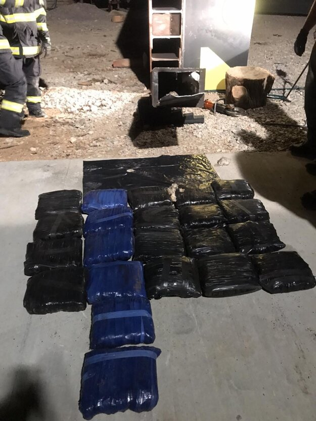 Members of the Financial Administration from the Nitra Customs Office have prevented 1.5 tons of drugs from entering the black market